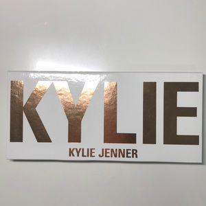 Kylie Jenner pressed eyeshadows